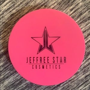 Jeffree Star skin frost highlighter